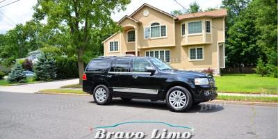 Black Lincoln Navigator